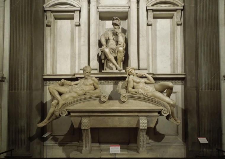 La nuova sagrestia a San Lorenzo, con opere di Michelangelo